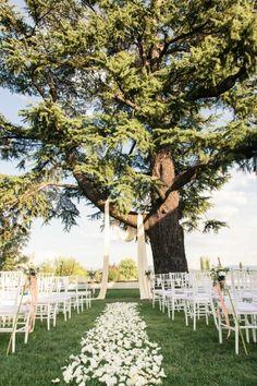Italian Villa Destination Wedding: http://www.stylemepretty.com/destination-weddings/2014/06/05/romantic-villa-tolomei-wedding/   Photography: Innocenti Studio - http://www.innocentistudio.com/