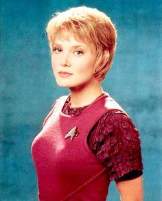 "Kes (Jennifer Lien), ST:VOY cast member from 1995-'01. Interesting (if underdeveloped) character; understand her life post-Trek has grown... ""complicated""."
