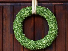 Split Pea Wreath. Hello CHEAP awesomeness! I'm adding a red ribbon for Christmas