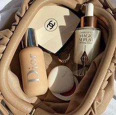 Cream Aesthetic, Classy Aesthetic, Brown Aesthetic, Aesthetic Colors, Aesthetic Makeup, Aesthetic Pictures, Aesthetic Fashion, Beauty Skin, Beauty Makeup