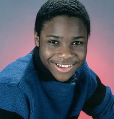 Theo was dreamy! And Malcolm Jamal Warner is STILL dreamy! Recently featured in the hit show Community. Native American Images, Native American Indians, Black Sitcoms, The Cosby Show, African Royalty, Vintage Black Glamour, Entertainment Tonight, Black History Facts, Most Beautiful People