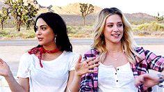 Camila Mendes & Lili Reinhart