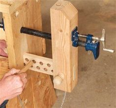 3 Classic Vises made with Pipe Clamps - Popular Woodworking Magazine #woodworkingbench