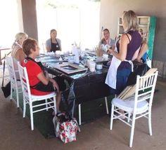 Introduction to Chalk Paint - Workshop Woman Painting, Chalk Paint, Restoration, Workshop, Home Decor, Atelier, Decoration Home, Room Decor, Work Shop Garage
