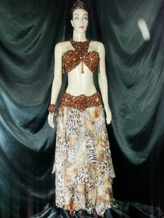 Atelier Yasmin Hassanein - Trajes para Dança do Ventre - Bellydance Costumes: Bellydance Costumes by Yasmin Hassanein / Figurino...