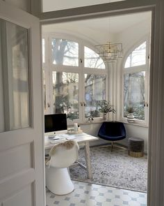 Aesthetic Rooms, Dream Apartment, Dream Home Design, My New Room, House Rooms, Style At Home, Cheap Home Decor, Interior Design Living Room, Home Fashion