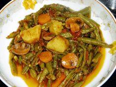 Φασολάκια φρέσκα με μανιτάρια Kung Pao Chicken, Japchae, Ethnic Recipes, Food, Essen, Meals, Yemek, Eten