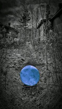 La mente è una.. debole sfera di cristallo.. Che segue tra i suoi pensieri... Un sentiero infinito