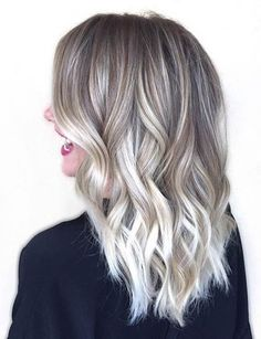 31 Stunning Blonde Balayage Looks - Ice Blonde Balayage Highlights Blonde Balayage Highlights, Hair Color Balayage, Blonde Color, Balayage Hairstyle, White Highlights, Ombre Colour, Ash Blonde Balayage Short, Highlights 2016, Bayalage