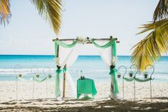 Luxury Wedding Islands by Lary Tours. Свадьба в Доминикане (Weddings in the Dominican Republic); Мятная (Тиффани) бамбуковая свадебная арка (остров Саона).(Peppermint (Tiffany) bamboo wedding arch (Saona Island).