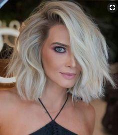Khloe Wig Lavish Locs Fall Wig Trend: Short Hair - September 14 2019 at Blonde Hair Cuts Medium, Short Blonde, Short Hair Cuts, Pixie Cuts, Hair Cut Blonde, Short Platinum Blonde Hair, Short Wavy, Blonde Bobs, Blonde Haircuts