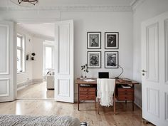 Mid-century modern interior in an old building - COCO LAPINE.- Mid-century modern interior in an old building – COCO LAPINE DESIGN wall frames, black and white More - Modern Interior Design, Home Design, Interior And Exterior, Old Building, Classic Building, White Building, Building Ideas, Office Interiors, Home And Living