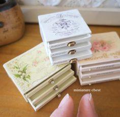 Miniature Chest ♡ ♡ By pansbear