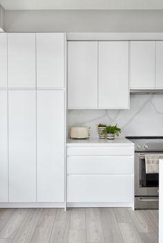 Building Design, Kitchen Cabinets, King, Home Decor, Decoration Home, Room Decor, Kitchen Base Cabinets, Dressers, Kitchen Cupboards