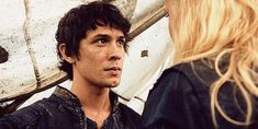 The 100 Bellamy Blake (Bob Morley) and Clarke Griffin (Eliza Taylor) The 100 Show, The 100 Cast, Bob Morley, Bellamy The 100, Bellamy And Clarke Kiss, Bellarke, Movies Showing, Movies And Tv Shows, Grey's Anatomy