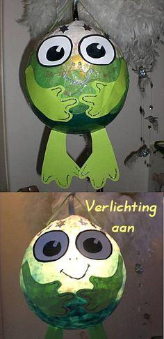DIY for Kids; (Waterproof) Lantarn Froggy- FREE PATTERN. So funny to see my own design back after years....guess a pin travels fast ;-) ~  Zo grappig om na enkele jaren (toen Pinnen nog niet bestond) mijn eigen ontwerp voor Sint Maarten de (Waterproof) Kikker Lampion met Gratis Patroon (voor Wim zijn Fröbel Pagina) hier opeens voorbij te zien komen...... Nou pin 't voort zou ik zeggen! :-D