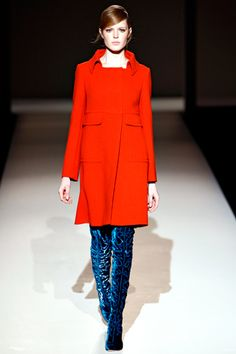 Alberta Ferretti Fall 2011 Ready-to-Wear Collection Slideshow on Style.com