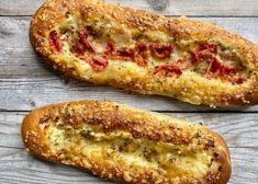 Germteig-Rezepte - Backen mit Christina Dessert Cake Recipes, Desserts, Pampered Chef, Hot Dog Buns, Oven, Food And Drink, Veggies, Pizza, Bread
