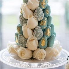#strawberriesandco_ strawberry and macaron towers styling @eventsbyjosiegittany xx image @carolin_margi_photography #babyshower