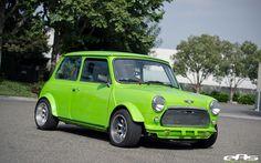 Green 1971 Mini Cooper, Now that's a rally car! Sexy Cars, Hot Cars, Classic Mini, Classic Cars, Mini Morris, Mini Lifestyle, Mini Cooler, Classic Motors, Bmw