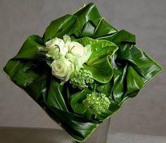 Floral pillow with roses and leaves Deco Floral, Arte Floral, Floral Design, Ikebana, Contemporary Flower Arrangements, Unique Flower Arrangements, Funeral Flowers, Wedding Flowers, Wedding Bouquets