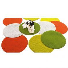 Chilewich Solid Shag Dot bij Pure Lifestyle!  SHOP ONLINE: http://www.purelifestyle.be/shop/view/home-living/deurmatten-tapijten/chilewich-solid-shag-dot-groen