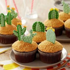 It® Muffin Pan make this candy melts candy cactus cupcakes project its the perfect DIY baking craft for any desert themed party.make this candy melts candy cactus cupcakes project its the perfect DIY baking craft for any desert themed party. Candy Melts, Snacks Für Party, Party Desserts, Baking Desserts, Party Sweets, Party Games, Mini Cakes, Cupcake Cakes, Party Cupcakes
