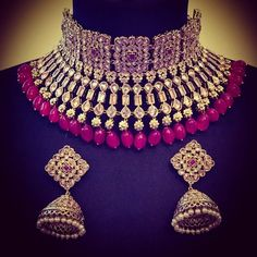 4 Glorious Cool Tips: Jewelry Fashion Party jewelry trends color combos. Indian Jewelry Sets, Indian Wedding Jewelry, Bridal Jewelry, Indian Bridal, Baby Jewelry, Bridal Necklace, Jewellery Uk, Fashion Jewelry, Daisy Jewellery