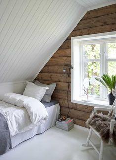 4 Buoyant Cool Tips: Attic Renovation Tips attic space ladder.Attic Home Window rustic attic loft. Attic Bedroom Small, Attic Bedroom Designs, Attic Loft, Attic Design, Loft Room, Upstairs Bedroom, Attic Spaces, Bedroom Loft, Bedroom Decor