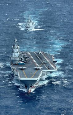 Chinese Type 001 carrier Liaoning and her escort Type destroyer Changsha Navy Marine, Army & Navy, Navy Carriers, People's Liberation Army, Navy Air Force, Navy Ships, Submarines, Aircraft Carrier, Royal Navy