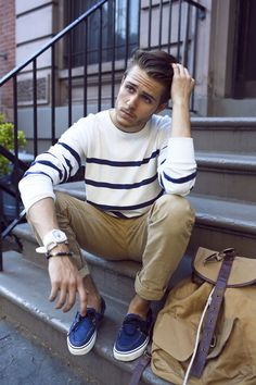 36 Mens Chinos Outfit for Cool Casual Style Mens Fashion Blog, Fall Fashion Trends, Autumn Fashion, Men's Fashion, Fashion Styles, Fashion Ideas, Fashion Outfits, Trendy Fashion, Workwear Fashion