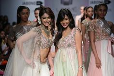 Lakmé+Fashion+Week+Summer/Resort+2014+is+over+but+left+us+with+so+much+inspiration+for+our+Indian+brides.+Whether+you're+planning+a+destination+wedding+on+a+beach+or+a+traditional+ballroom+affair,+there+were+some+great+ideas+walking+down+the+runway+for+you+this+past+week.+Make+sure+to+pin+your+favorites+before+you+start+[…]