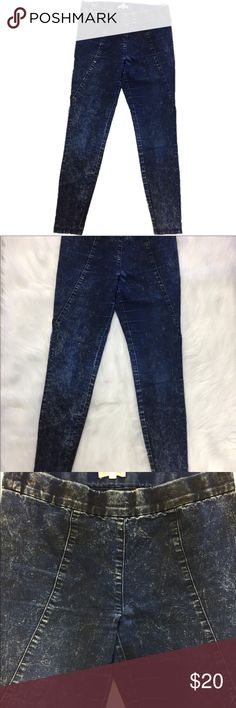 """Anthropologie Silence + Noise Jeggings Size Small Excellent condition  Cotton blend 8.5"""" rise Elastic waist Anthropologie Jeans Skinny"""