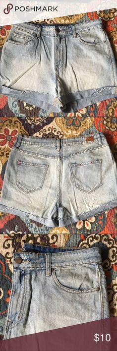 High-rise jean shorts Light wash. Great condition BDG Shorts Jean Shorts