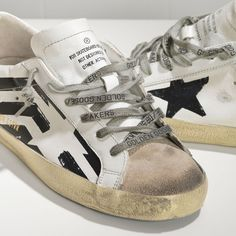 Golden Goose Super Star Sneakers In Leather With Screen Printed Star Women - Golden Goose / GGDB #christmas #gifts #happychristmas #sneakers #fashion #lifestyle