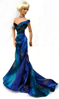 Tonner doll ~ love the colors in this dress!