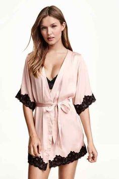 """Satin kimono jacket – Pair this up with any of your negligees or corsets and -""""magic""""! Satin kimono jacket – Pair this up with any of your negligees or corsets and -""""magic""""! H&m Lingerie, Lingerie Bonita, Jolie Lingerie, Pretty Lingerie, Beautiful Lingerie, Lingerie Sleepwear, Nightwear, Women Lingerie, Satin Kimono"""