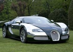 In a further highlight on agenda of centennial celebrations, Bugatti Automobiles S. presented four Bugatti Veyron specials at Villa d\'Este. Bugatti Veyron, Bugatti Cars, Super Sport Cars, Cool Sports Cars, Super Cars, Nice Cars, Sports Wallpapers, Car Wallpapers, Best Luxury Cars