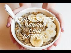 The ultimate healthy breakfast recipe, this peanut butter banana oatmeal is creamy, voluminous and will keep you full all morning long! Healthy Desayunos, Healthy Food Choices, Healthy Breakfast Recipes, Brunch Recipes, Healthy Snacks, Vegetarian Recipes, Cooking Recipes, Healthy Recipes, Healthy Breakfasts