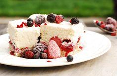 Cashew Berry Cheesecake (Paleo, clean eating, gluten-free, grain-free, sugar-free, raw)