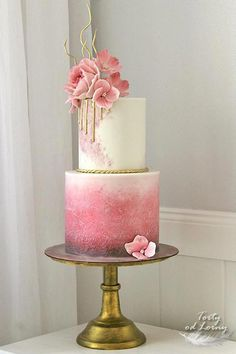 Pink & gold birthday cake – cake by Lorna – CakesDecor - Birthday Cake Blue Ideen Beautiful Wedding Cakes, Gorgeous Cakes, Pretty Cakes, Cute Cakes, Amazing Cakes, Brithday Cake, 40th Birthday Cakes, 40th Birthday Cake For Women, 40th Cake