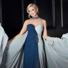 "5998849e1085 GentileWedding-sposa cerimonia on Instagram  ""Blu bianco   Eleganza eterea  per i tuoi  eventi! 💙 impero couture  katherinekellylang ..."