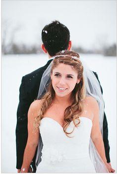 first look pose Birch Wedding, Snow Wedding, Dream Wedding, Wedding Couple Poses, Couple Posing, Wedding Couples, Couple Photos, Wedding Photography Inspiration, Wedding Inspiration