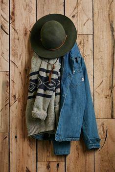 "cherokeedays: "" urbnite: "" Brixton Tiller Fedora "" rugged, rustic & woodsy "" *would wear in a heartbeat* Winter Wear, Autumn Winter Fashion, Mode Outfits, Fashion Outfits, Fall Outfits, Mode Hippie, Mountain Style, Blue Mountain, Dressing"
