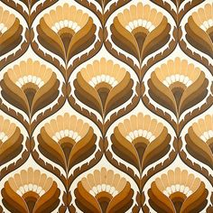 Superb retro wallpaper with geometric pattern in shades of brown. A great design wallpaper ! Geometric Floral Wallpaper, Retro Wallpaper, Pattern Wallpaper, Vintage Wallpaper Patterns, Geometric Wall, Motif Vintage, Vintage Embroidery, Vintage Prints, Vintage Pattern Design