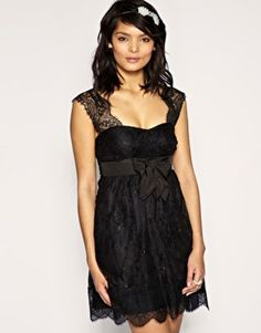 Little lace black dress