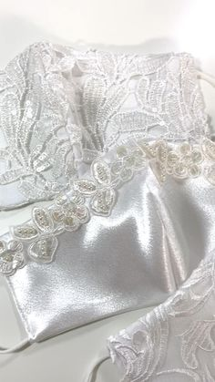 Mouth Mask Fashion, Fashion Face Mask, Easy Face Masks, Diy Face Mask, Bridal Mask, Lace Mask, Handmade Wire Jewelry, Wedding Shoes Heels, Diy Mask