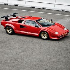Lamborghini Countach 5000 Quattrovalvole - https://www.luxury.guugles.com/lamborghini-countach-5000-quattrovalvole-3/