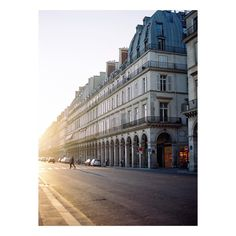 """""""(A quick interruption) This is a film image from my very first visit to Paris. You can probably see why I fell so hard for it. It was a treat to work with…"""""""
