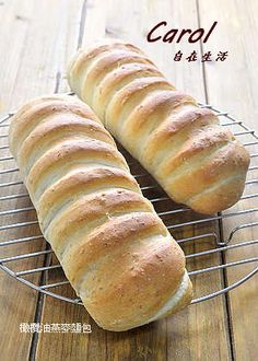 橄欖油燕麥麵包 Bread Recipes, Cooking Recipes, Bread Bun, Hot Dog Buns, Food Videos, Rolls, Baking, Breads, Asia